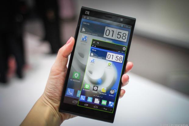 Здравствуйте, три 6 дюймовые смартфоны 2014 квартиры Новикова-Прибоя